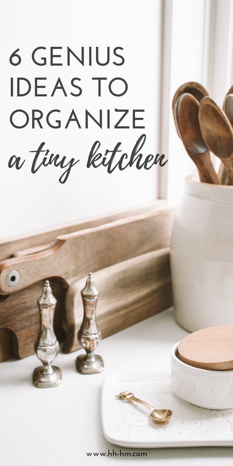 Declutter and organise your small kitchen with these genius home organization ideas! Great to organize your cabinets!